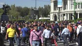 загрязнение : Mexico City downtown. Crowd of people, busy street scene