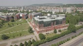 tekrarlanan : Aerial view of Budapest - ELTE University building, Hungary Stok Video