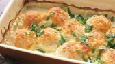 kotlety mielone : Chicken balls in cream sauce. Wideo