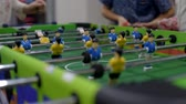 arcada : Closeup photo of plastic players in table football game Vídeos