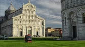 Timelapse. Cutting the grass in front of the Cathedral of Pisa Dostupné videozáznamy