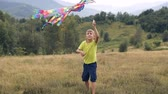 Айдахо : The boy runs and launches a snake in the mountains