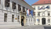 croata : St. Mark Square with the Bans Court in Zagreb Stock Footage