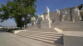 kret : A view of the Kossuth monument in Kossuth square in Budapest, Hungary Wideo