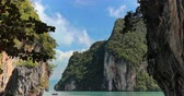 tekne : Thailand nature landscape of islands in lagoon. Holiday travel destination and exotic view Stok Video