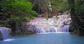panna : Emerald pool in wilderness of jungle forest. Tropical waterfall in rainforest environment Dostupné videozáznamy