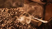 античный : Slowly release the aroma of roasted coffee