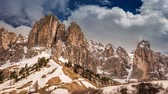 szczyt : View from Gardena Pass to Dolomites in the clouds, 4k timelapse Wideo
