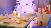 noruega : Beautifully decorated white table for Christmas Eve