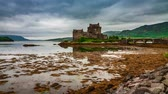 historia : Tides in the lake at Eilean Donan Castle, Scotland, 4k, timelapse