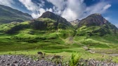 řeka : Stunning green mountains of Glencoe in Scotland in summer, 4k, timelapse