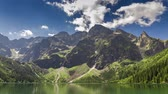 tepe : Famous Polish lake in the Tatras Mountains in summer, Poland Stok Video