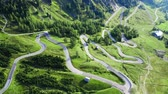 terreno extremo : Winding road at Passo Gardena, aerial view, Dolomites Vídeos