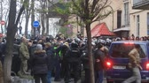 Ukraine. Kiev. December 5, 2017. people rebel against power. Collisions of people with the police. Protest against the detention of Saakashvili Vídeos