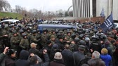 violência : Ukraine. Kiev. December 5, 2017. people rebel against power. Collisions of people with the police. Protest against the detention of Saakashvili.