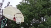 выиграть : Basketball Bank Shot on an Outdoor Court 01 Стоковые видеозаписи