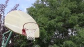 выиграть : Basketball Swish on an Outdoor Court 01