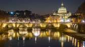 キューポラ : rome skyline st.peter basilica vatican city as seen from tiber river