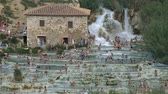geotérmica : Terme Saturnia. Natural spa with waterfalls in Tuscany, Italy