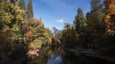 nacional : 4k time lapse of an Autumn colors in Yosemite National Park in California Stock Footage