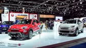 kompaktní : Fiat 500X mini crossover SUV on display during the 2015 Brussels motor show. Dostupné videozáznamy