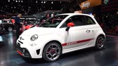 kompaktní : Fiat 500 Abarth compact sports hatchback car on display during the 2017 European Motor Show Brussels.