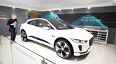 sala de exposição : Jaguar I-PACE battery-electric SUV concept car developed by British automotive company Jaguar Land Rover on display at the 2018 European motor show in Brussels. Stock Footage