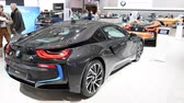 kupé : BMW i8 coupe and i8 Roadster plug-in hybrid luxury sports cars on display at the 2018 European motor show in Brussels.