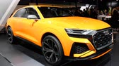 kupé : Audi Q8 concept futuristic hybrid SUV on display at the 2018 European motor show in Brussels. Dostupné videozáznamy