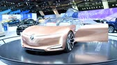 automat : Renault SYMBIOZ concept-car self-driving vehicle designed for mind-off automation on display at the 2018 European motor show in Brussels.