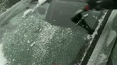 nevando : Scraping icy windshield