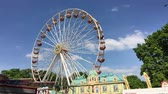 váleček : BERLIN - JUNE 3, 2017: Ferris Wheel Ferris Wheel at German Fun Fair turning