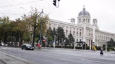 centro : VIENNA, AUSTRIA - October 12,2016. View of citys life - view of Kunsthistorisches Museum Wien
