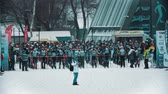narciarz : RUSSIA, KAZAN 08-02-2020: Skiing competition - people sportsmen waiting on the start