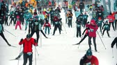 narciarz : RUSSIA, KAZAN 08-02-2020: Skiing competition - people sportsmen skiing on the start