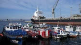 estaleiro : VALPARAISO, CHILE - JUNE 22: Timelapse view on the busy Dockyard on June 22, 2016 in Valparaiso, Chile. Stock Footage