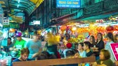 cena urbana : BANGKOK,THAILAND - MARCH 03: Time-lapse video view of busy street life Chinatown in Bangkok on March 03, 2018 in Bangkok,Thailand. Stock Footage