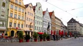 инфраструктура : AUGSBURG, GERMANY - APRIL 15: View on the daily life and the architecture of the historic centre of the city on April 15, 2017 in Augsburg, Germany.