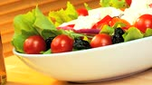 уксус : Selection of fresh crisp salad vegetables,balsamic vinegar & mozarella cheese making a healthy nutritious meal