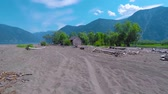 House on the sandy beach of Teletskoye Lake. Altai mountains, Siberia, Russia. Vídeos