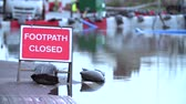 деревня : Sign Warning Of Footpath Closure Due To Flooding