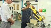 dairesel : Student In Carpentry Class Using Circular Saw