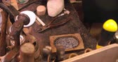 деталь : Close Up Of Shoemakers Work Bench With Tools And Pins