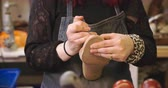 деталь : Bespoke Shoemaker Pinning Leather Together To Make Shoe