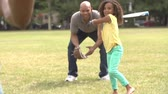 beisebol : Grandfather With Son And Granddaughter Playing Baseball