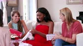 prezent : Female Friends Meeting For Baby Shower Shot On R3D Wideo
