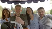 koło : Group Of Friends Enjoying Day Out In Boat On River Together
