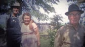 pessoal : ARKANSAS, USA - 1966: Folks leaving the family farm and headed back into the city. Stock Footage