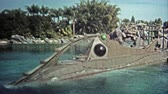 político : 1972: Walt Disney World rides 20,000 Leagues Under the Sea and Jungle Cruise. Vídeos