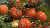 rosmarinus : Frying tomatoes, olives and herbs